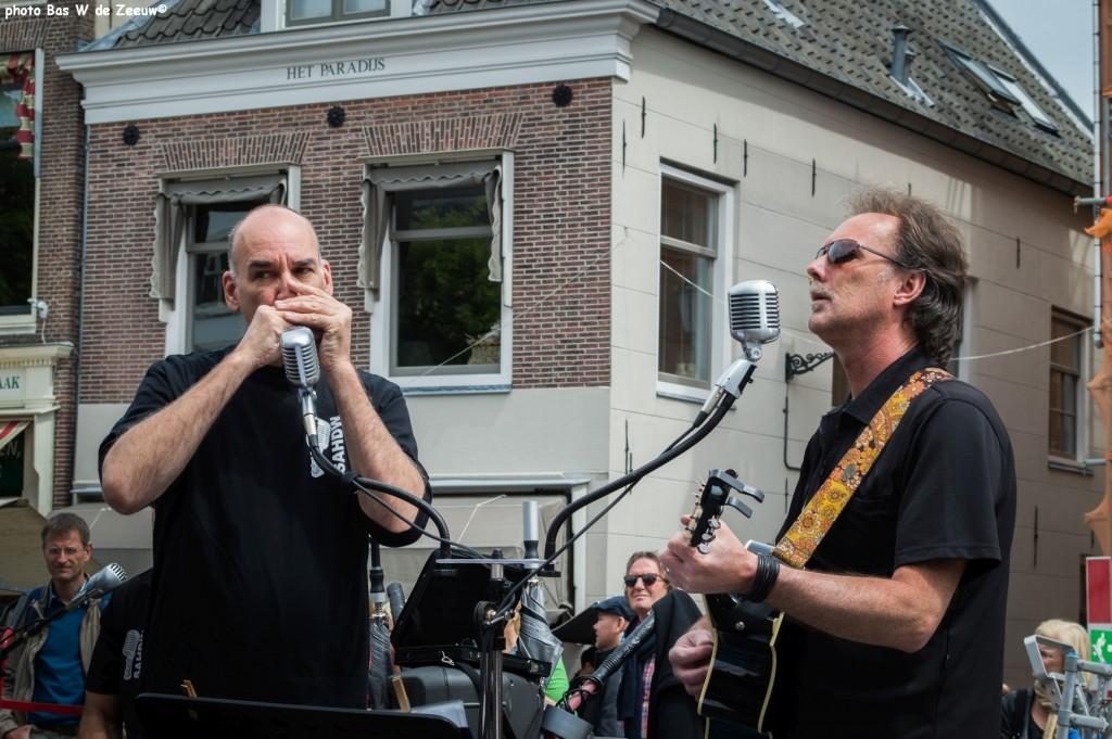 … een optreden van de band SAHDW -  'S avonds Als Het Donker Wordt.
