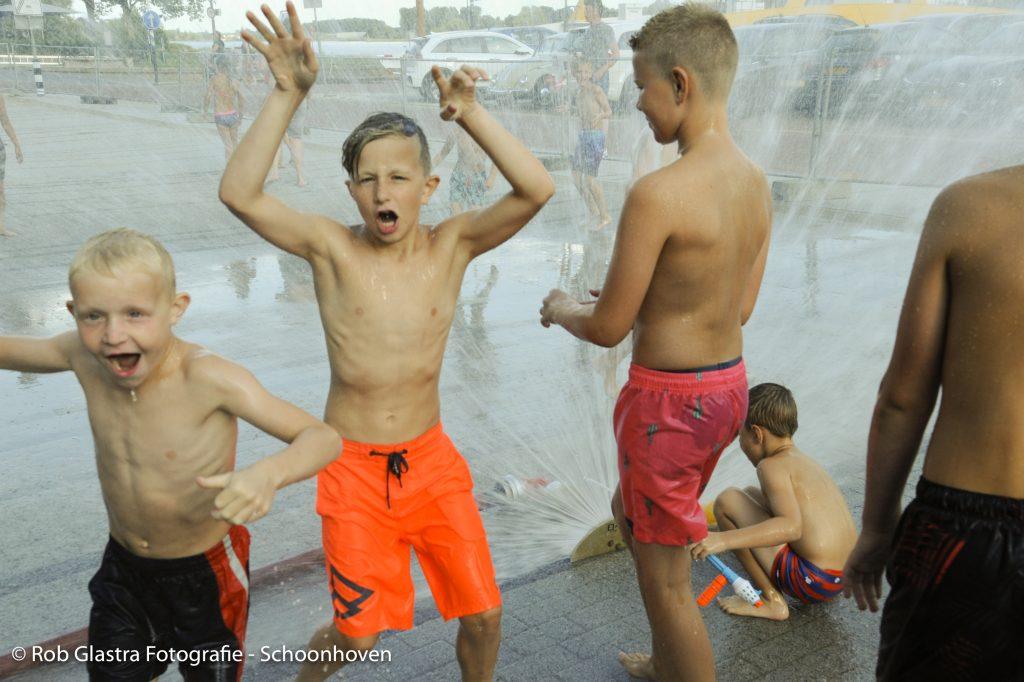 In beeld: watergevecht in Schoonhoven