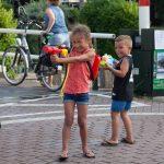 Watergevecht zorgt voor verkoeling in Haastrecht