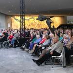 Krimpense bejaarden naar Den Bosch voor concertbezoek
