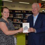 Annemarie Nobel presenteert eerste boek