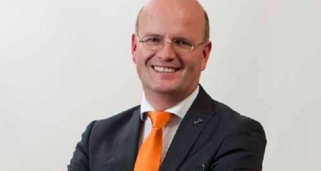 Pieter Neven aan de slag als wethouder in Buren