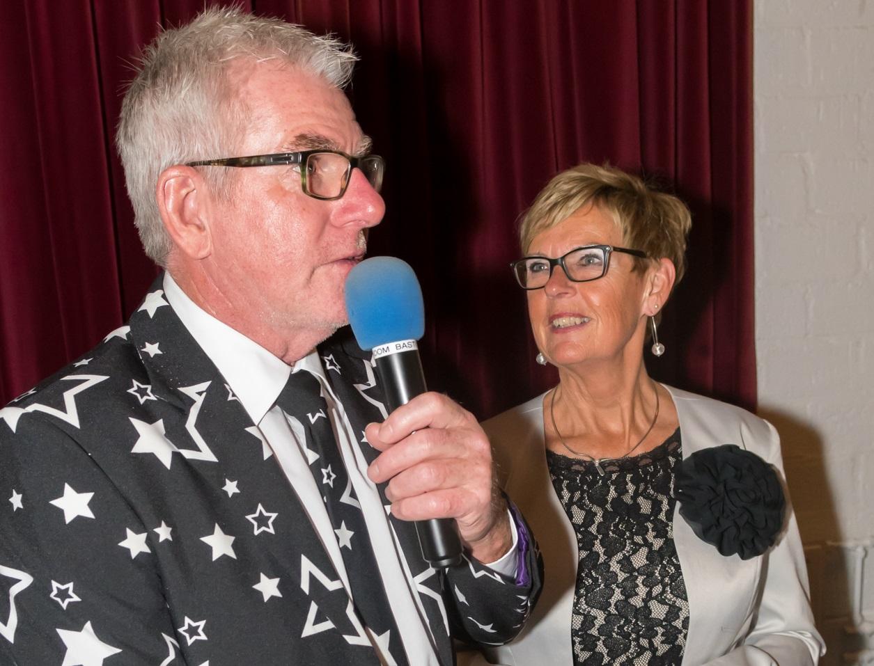 Van der Veen stopt als presentator Schoonhovense dansavonden
