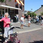 Ouderen werken zich in het zweet tijdens Balkon Beweegdag