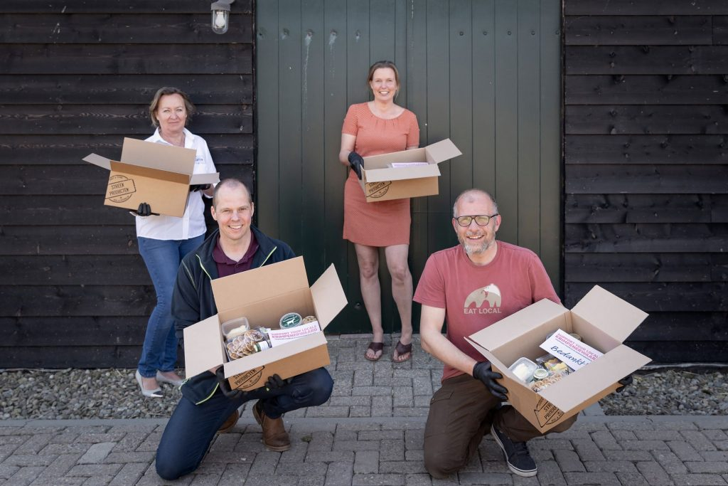 Met honing en andere streekproducten gevulde K'wrd Box vindt gretig aftrek