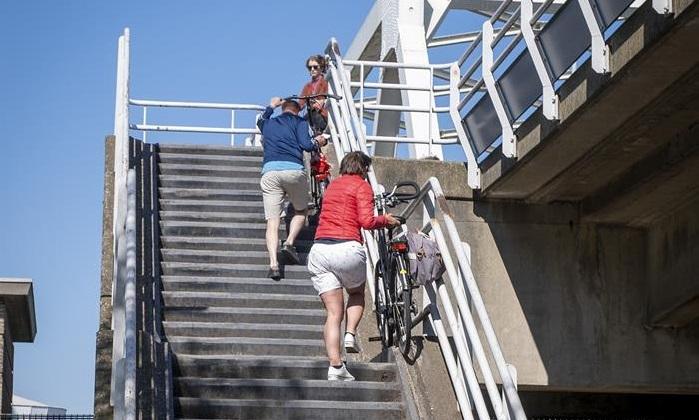Algerabrug krijgt fietslift
