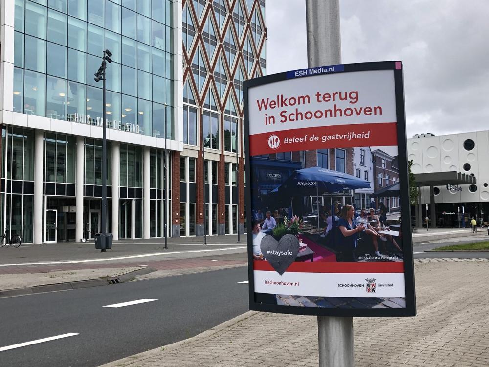 Ludieke reactie Schoonhoven op 'Welkom in Gouda-borden'