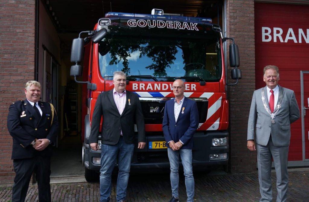 Gouderakse brandweerlieden koninklijk onderscheiden