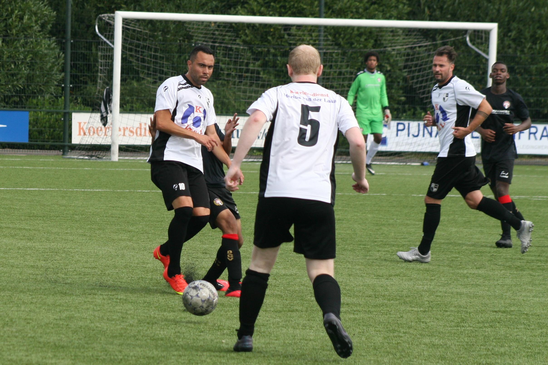 Lekkerkerk begint oefencampagne met 3-0 winst
