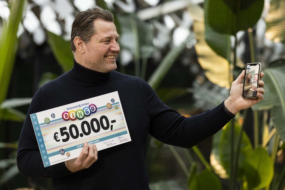 Jurgen uit Krimpen wint halve ton bij VriendenLoterij Bingo