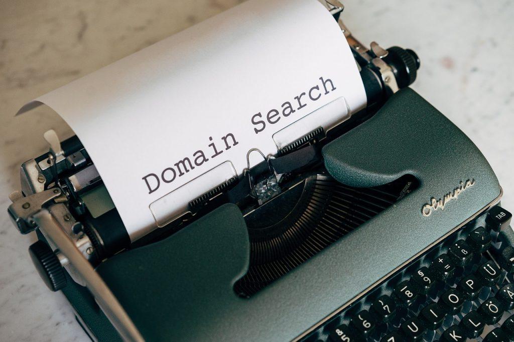 Een domeinnaam registreren: hoe pak je dit het beste aan?