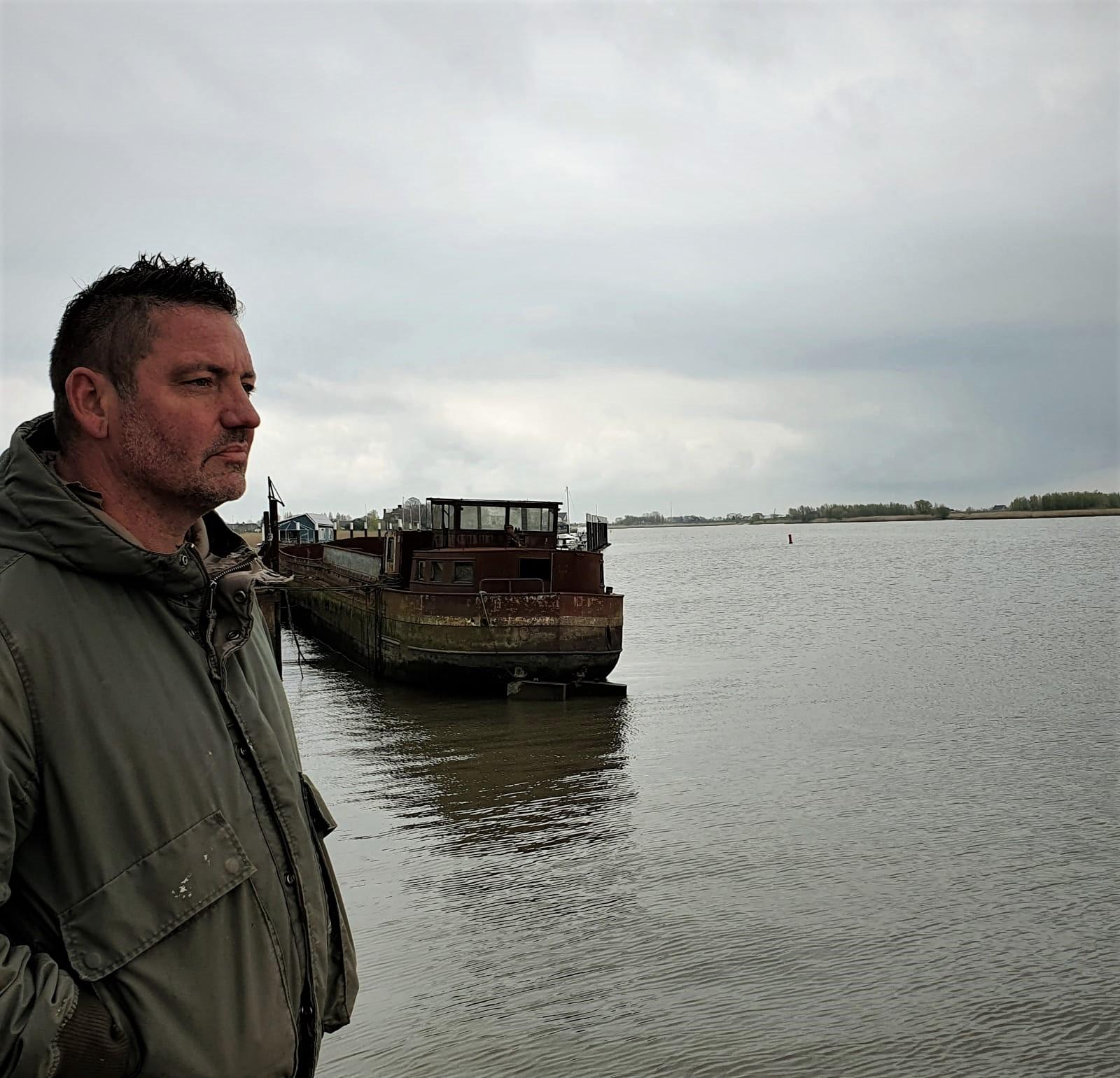 Daan Kelder eert omgekomen bemanningsleden 'Mission Belle'