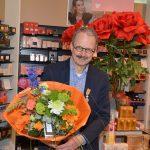 DA-drogist Hans Verloop krijgt lintje voor inzet winkeliersvereniging
