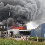 Grote brand op industrieterrein Lekkerkerk onder controle