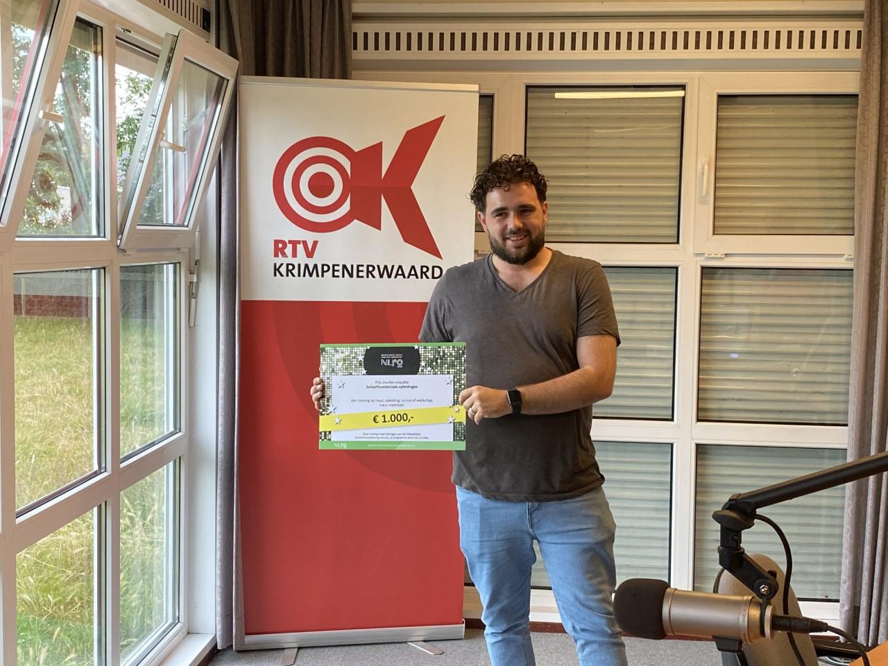 Hans Versluijs wint opleidingsbedrag voor medewerkers RTV Krimpenerwaard