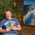 Frank Snoei presenteert zijn tweede boek tijdens braderie Lekkerkerk