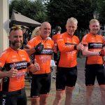 Uitzwaaidag team '4DDH' voor de 'Tour for Life'