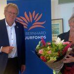 Elly van Buren uit Schoonhoven gehuldigd als 'Collectant van het Jaar'