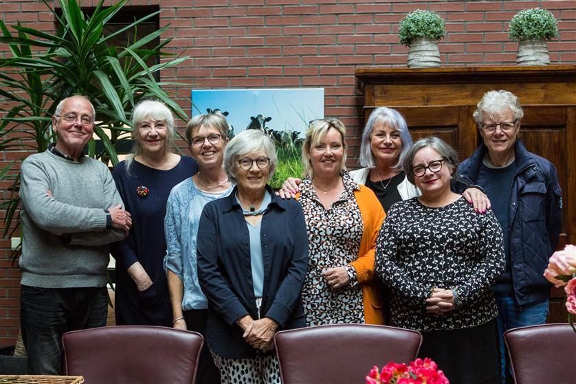 Cursisten Maaike Vermeulen laten werk zien in Amaliahof Haastrecht