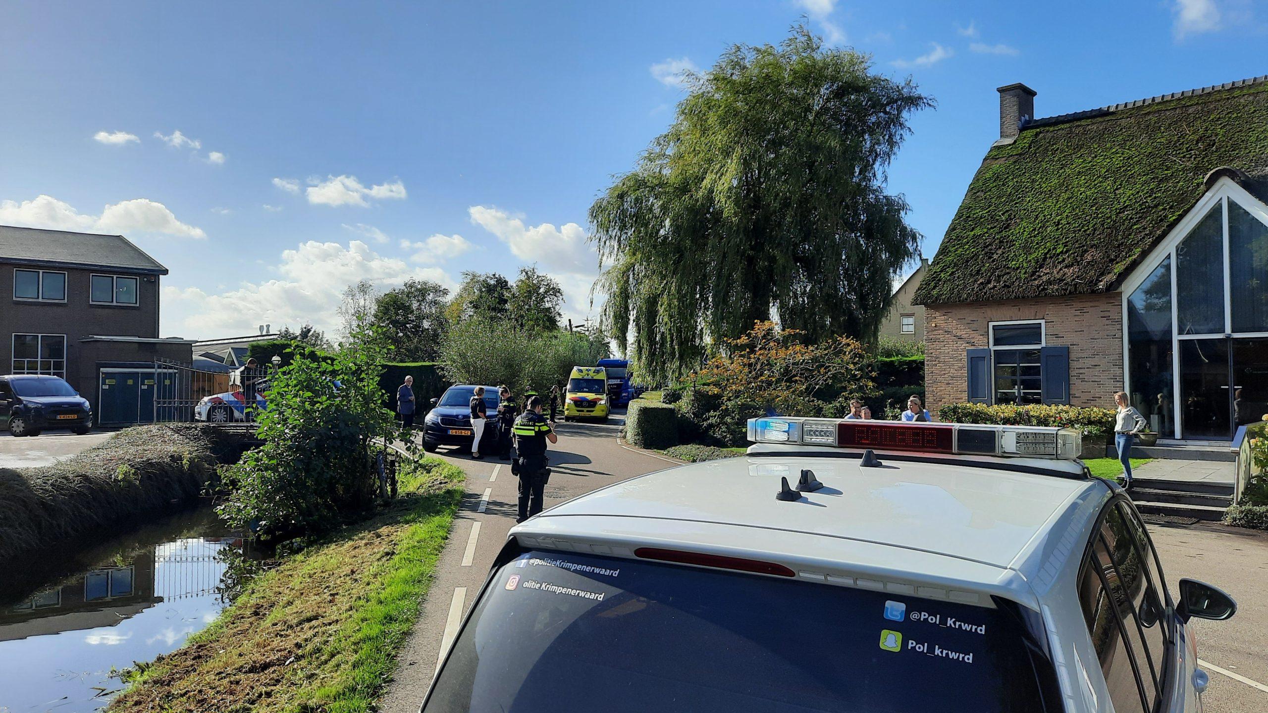 Scooterrijder gewond na botsing met auto in Bergambacht