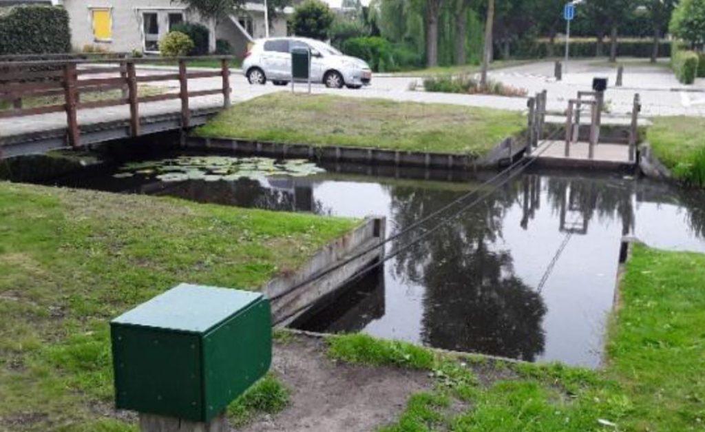 Speelvlot in natuurspeeltuin Groenhove in Stolwijk weggehaald