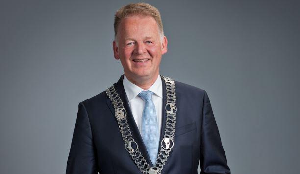 Burgemeester Cazemier niet beschikbaar voor nieuwe ambtsperiode