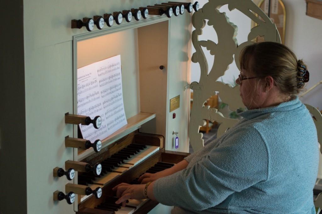 Organiste van de Grote- of Johanneskerk. (Foto: Bas de Zeeuw)